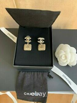 CHANEL Gold Style CC Logo Boucles Oreille Earrings