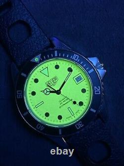 Vintage TAG HEUER 1000 980.113 Lume Dial Submariner Night Diver Style Watch
